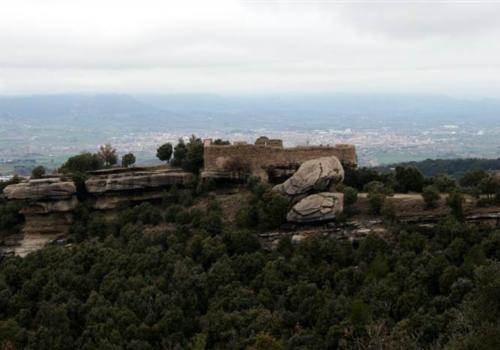 L'Enclusa i el Castell de Taradell